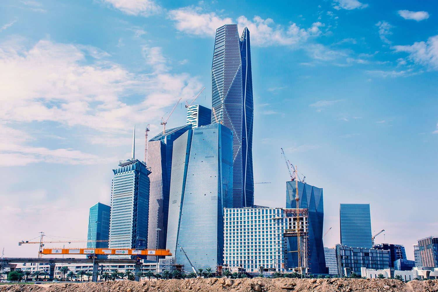 Riyadh-towers-in-construction